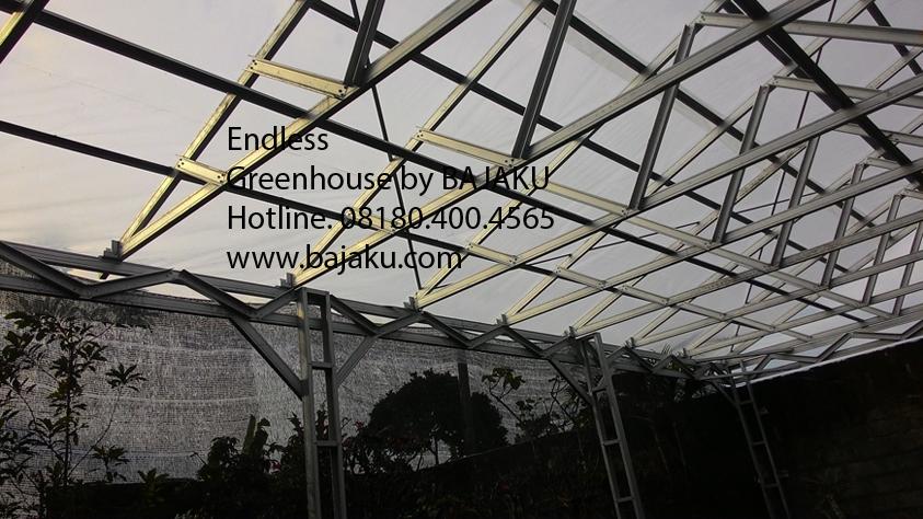 Greenhouse Mini Taman Bunga oleh BAJAKU - BAJAKU